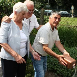 Bert and Marjorie Assirati laid to rest by Alan Sargeant