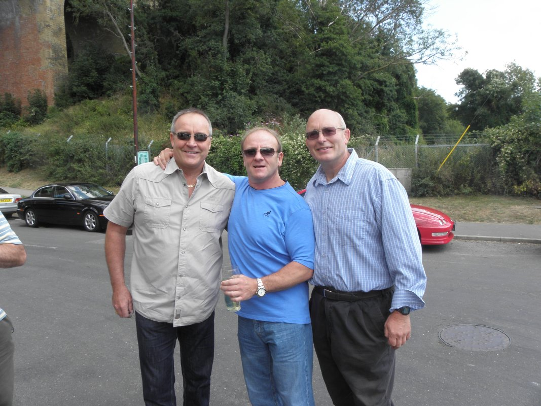 Tom Tyrone,Mal Sanders, Lee Bronson